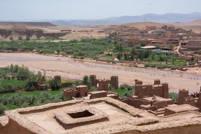 Μαρόκο, Μαρακές, σπίτια στην έρημο στοκ φωτογραφίες
