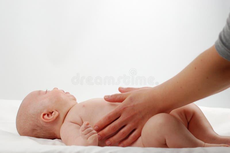 μασάζ 11 παιδιών νεογέννητο στοκ φωτογραφία με δικαίωμα ελεύθερης χρήσης