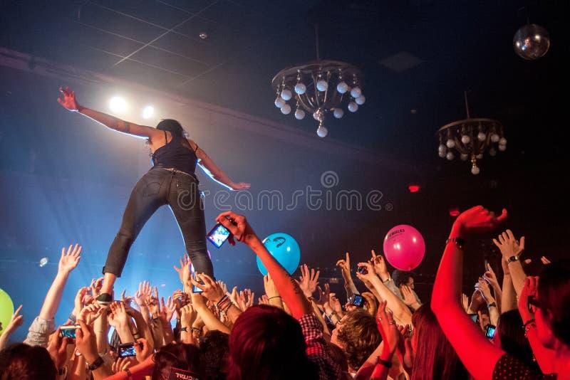 Ματ και Kim (ζώνη) στη συναυλία σε Apolo στοκ εικόνες με δικαίωμα ελεύθερης χρήσης