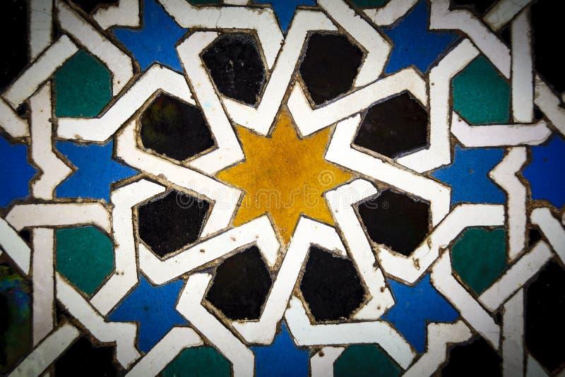 Μαυριτανικά κεραμίδια στενό σε επάνω στην Ανδαλουσία Ισπανία στοκ εικόνα με δικαίωμα ελεύθερης χρήσης