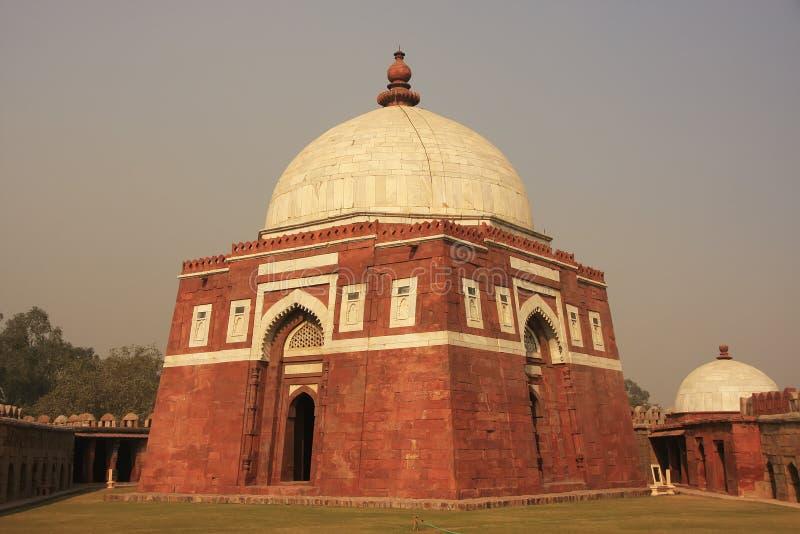 Μαυσωλείο Ghiyath Al-DIN Tughluq, οχυρό Tughlaqabad, Νέο Δελχί στοκ εικόνες