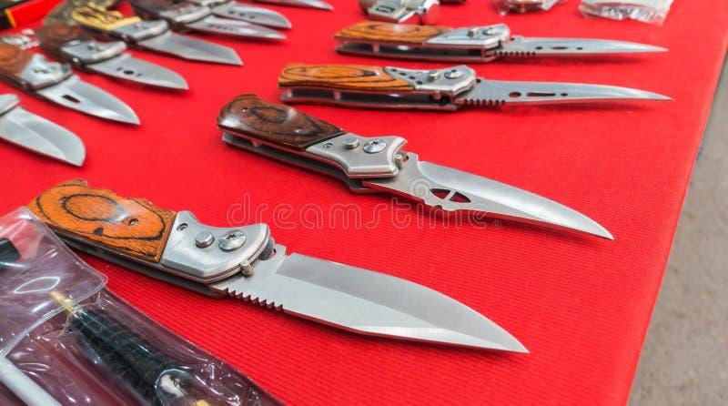 Μαχαίρι για την πεζοπορία στοκ εικόνα