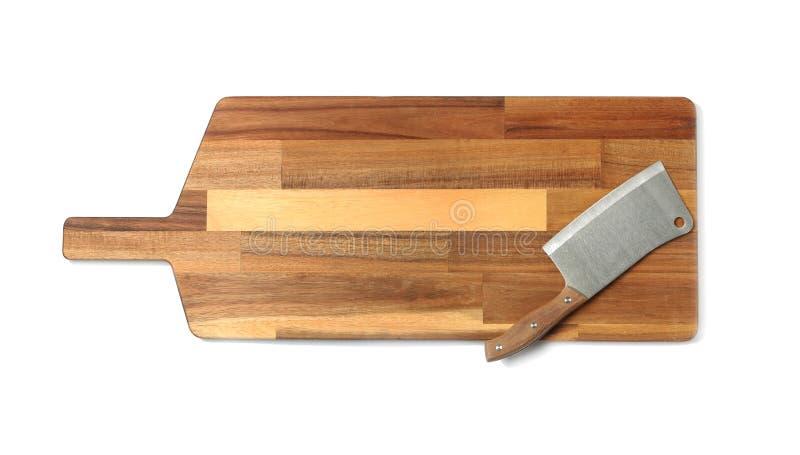 Μαχαίρι μπαλτάδων τον ξύλινο πίνακα που απομονώνεται με στο λευκό στοκ εικόνες με δικαίωμα ελεύθερης χρήσης