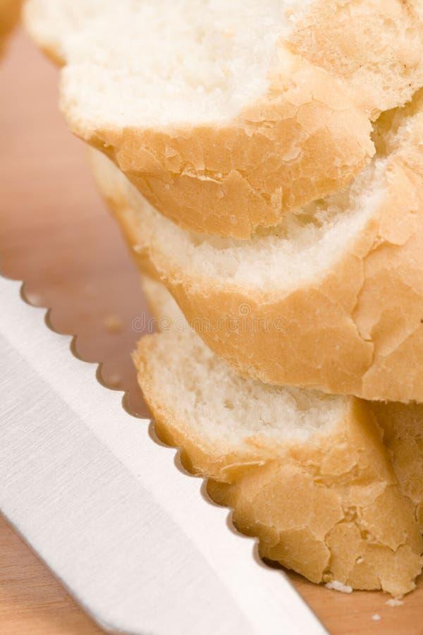 μαχαίρι baguette στοκ φωτογραφία με δικαίωμα ελεύθερης χρήσης