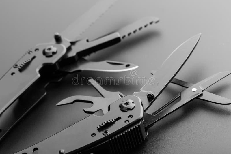 Μαχαίρι Multitool στοκ εικόνα με δικαίωμα ελεύθερης χρήσης