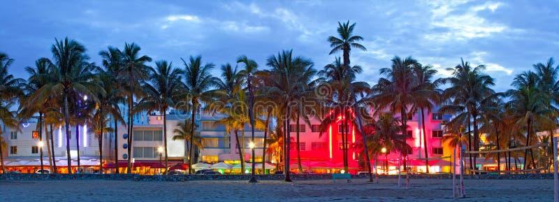Μαϊάμι Μπιτς, ξενοδοχεία της Φλώριδας και εστιατόρια στο ηλιοβασίλεμα στοκ εικόνα