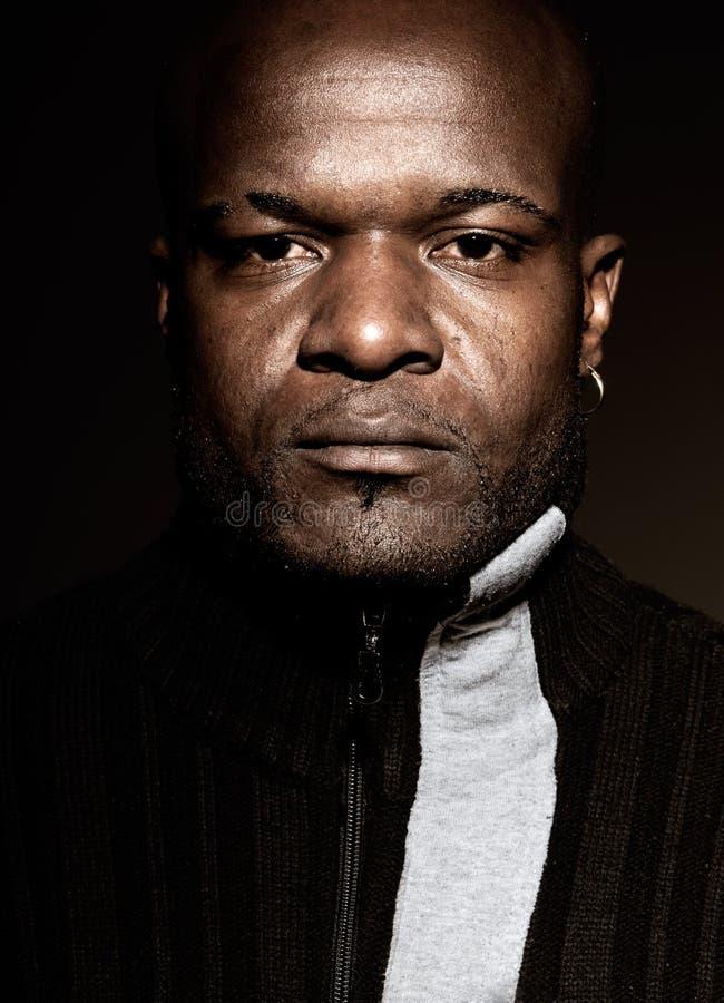 Μαύρα άτομα γκάγκστερ που φαίνονται σοβαρή υψηλή αντίθεση   στοκ εικόνες με δικαίωμα ελεύθερης χρήσης