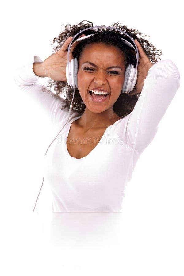 μαύρη γυναίκα πορτρέτου ακουστικών στοκ φωτογραφίες