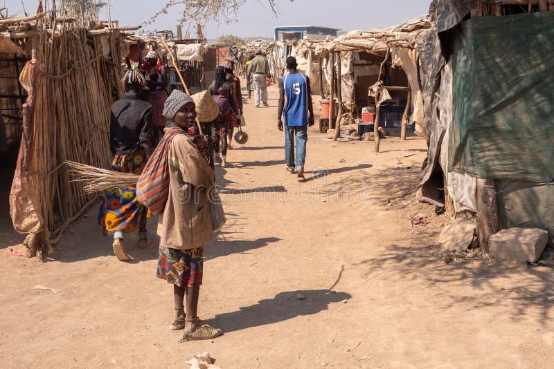 Μαύρη γυναίκα σε αγορά στο Rundu της Ναμίμπια στοκ εικόνες με δικαίωμα ελεύθερης χρήσης