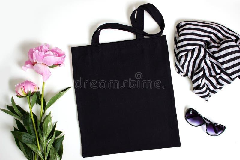 Μαύρη κενή τσάντα eco βαμβακιού tote, πρότυπο σχεδίου στοκ φωτογραφίες με δικαίωμα ελεύθερης χρήσης