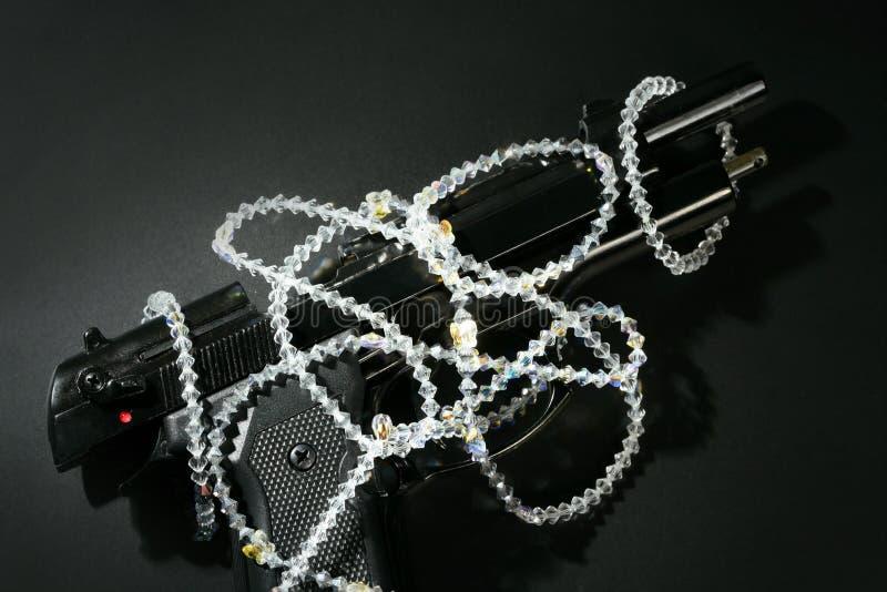 μαύρη κλασική μαφία κοσμημάτων εικόνας πυροβόλων όπλων στοκ εικόνες