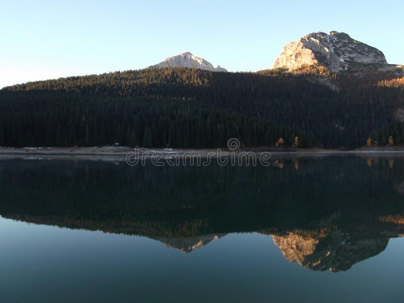 μαύρη λίμνη στοκ εικόνες