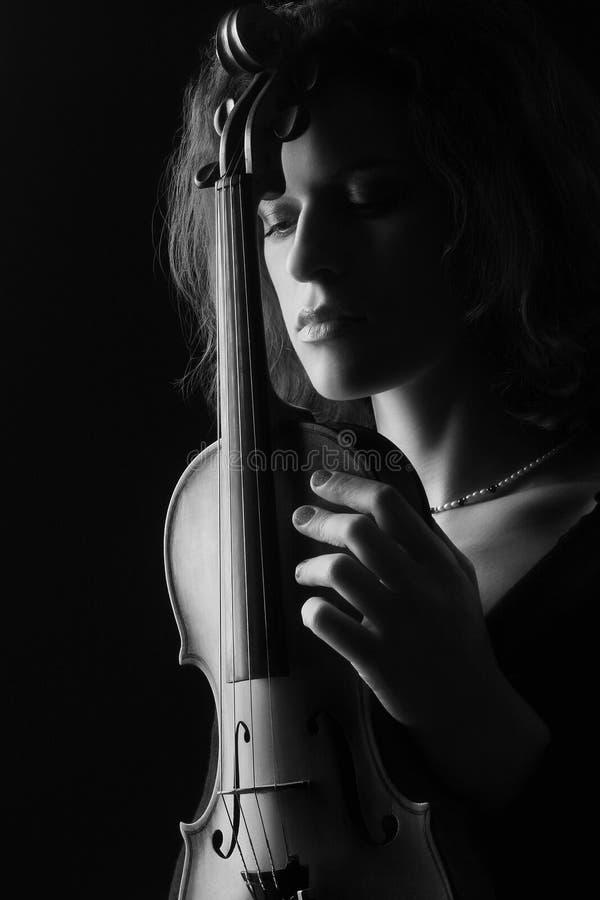 μαύρη λευκή γυναίκα βιολ στοκ εικόνες