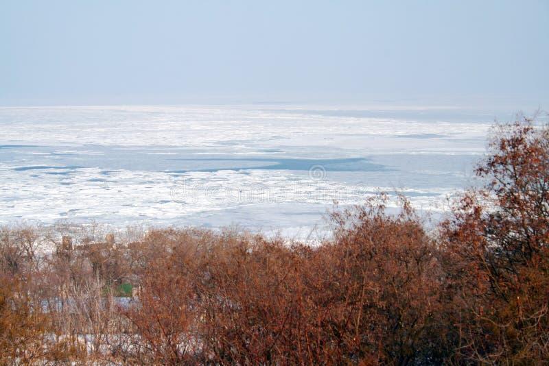 μαύρη παγωμένη όψη θάλασσας στοκ φωτογραφία με δικαίωμα ελεύθερης χρήσης