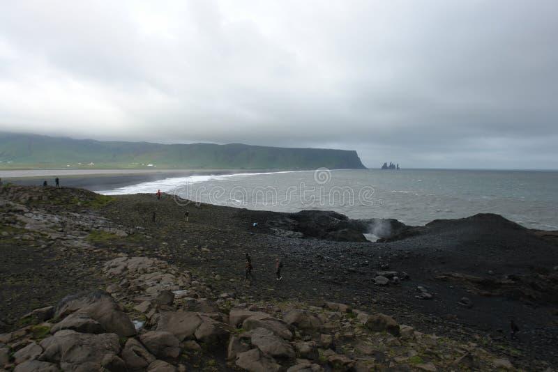 Μαύρη παραλία άμμου, Vik, Ισλανδία στοκ εικόνα