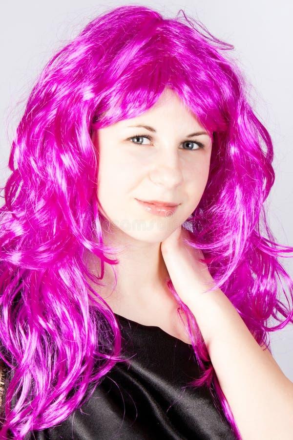 μαύρη περούκα κοριτσιών φ&omicro στοκ φωτογραφία