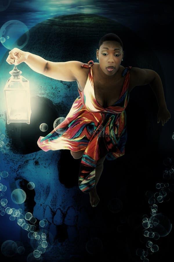 μαύρη υποβρύχια γυναίκα φαντασίας φορεμάτων στοκ εικόνες
