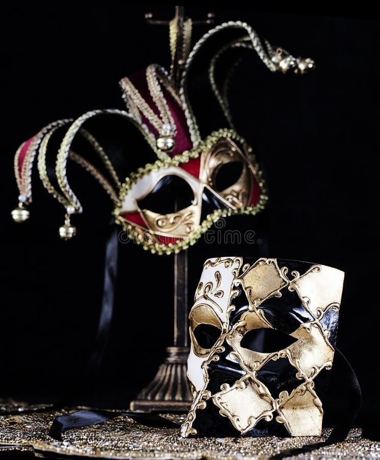 Μαύρη χρυσή μάσκα μεταμφιέσεων Bauta και Jester ιταλική στοκ φωτογραφία με δικαίωμα ελεύθερης χρήσης