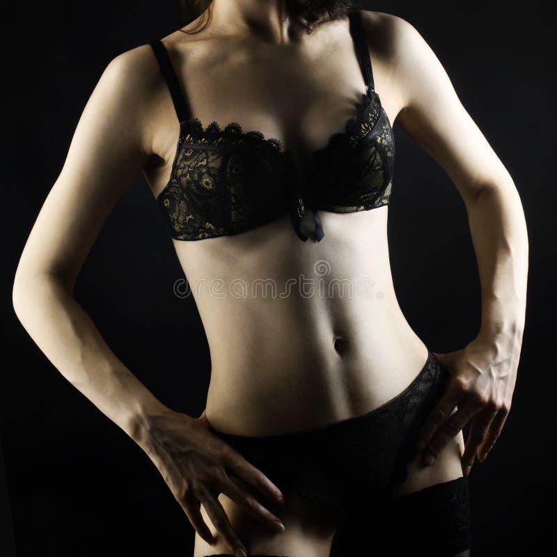 Download μαύρη Lingerie σωμάτων προκλητική γυναίκα Στοκ Εικόνα - εικόνα από μοιχαλίδα, καλλιτεχνικό: 22789407