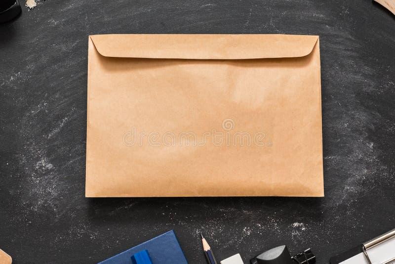 Μαύρος πίνακας κιμωλίας επιστολών αποδοχής κολλεγίου στοκ φωτογραφία με δικαίωμα ελεύθερης χρήσης