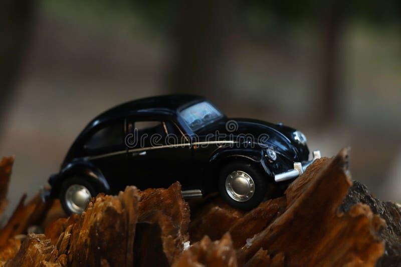 Μαύρο αναδρομικό εκλεκτής ποιότητας αυτοκίνητο automatism στοκ εικόνες