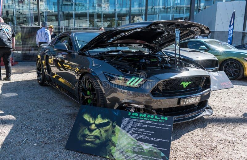 Μαύρο αυτοκίνητο της GT μάστανγκ συνήθειας σε Motorclassica στοκ φωτογραφίες με δικαίωμα ελεύθερης χρήσης