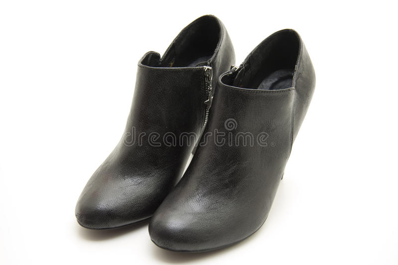 Download μαύρο γυναικείο παπούτσι στοκ εικόνα. εικόνα από δέρμα - 17050097
