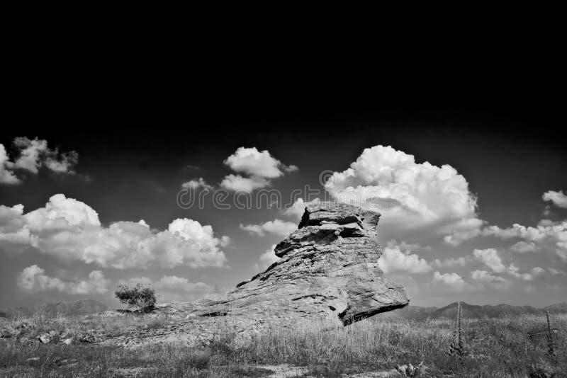μαύρο λευκό βράχου Στοκ φωτογραφία με δικαίωμα ελεύθερης χρήσης
