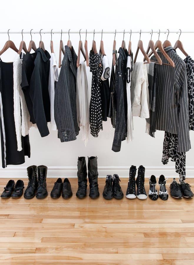 μαύρο λευκό παπουτσιών ε&n στοκ φωτογραφίες