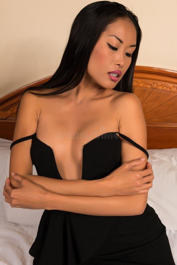 μαύρο φόρεμα λίγα στοκ εικόνες με δικαίωμα ελεύθερης χρήσης