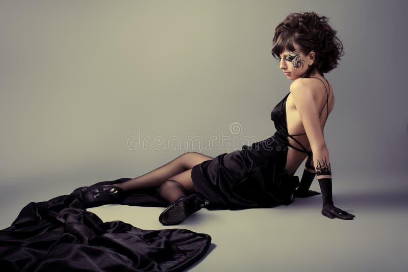 μαύρο φόρεμα στοκ φωτογραφία με δικαίωμα ελεύθερης χρήσης