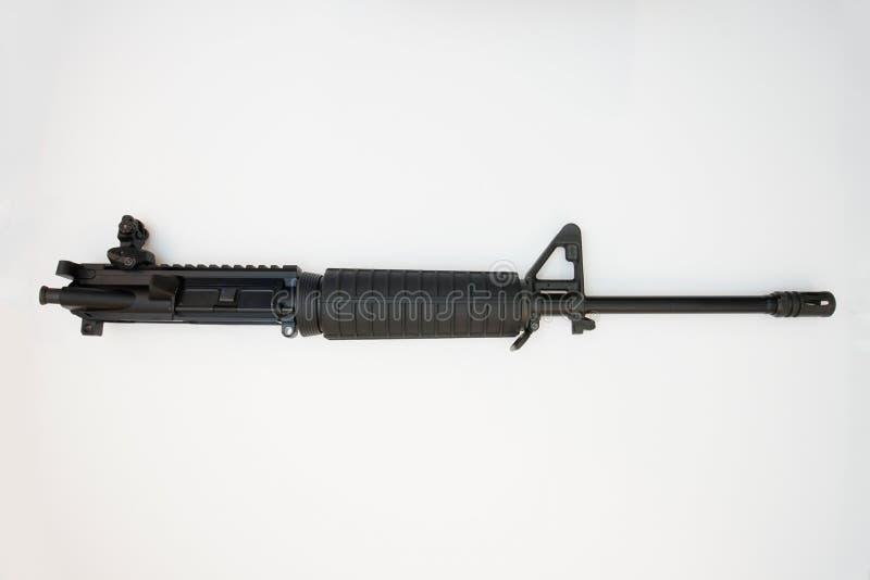 Μαύρο AR15 απομονωμένο σε λευκό φόντο στοκ φωτογραφία με δικαίωμα ελεύθερης χρήσης