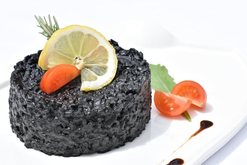 Μαύρο risotto με τα θαλασσινά Σουπιές στοκ φωτογραφίες με δικαίωμα ελεύθερης χρήσης