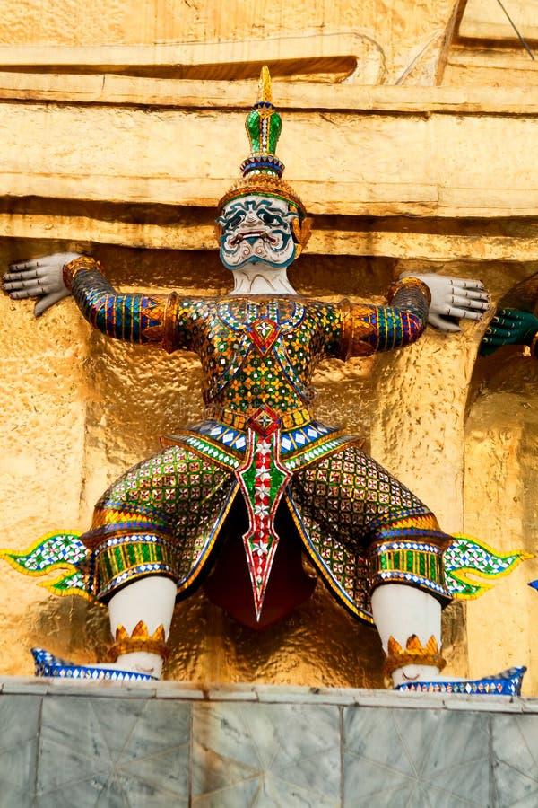 μεγάλα αγάλματα παλατιών &ta στοκ φωτογραφίες με δικαίωμα ελεύθερης χρήσης