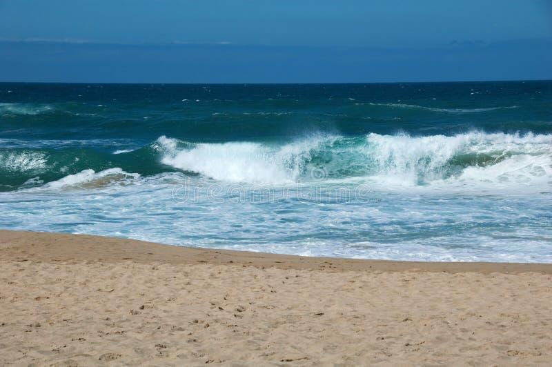Μεγάλα κύματα στον Ατλαντικό Ωκεανό στοκ φωτογραφία με δικαίωμα ελεύθερης χρήσης