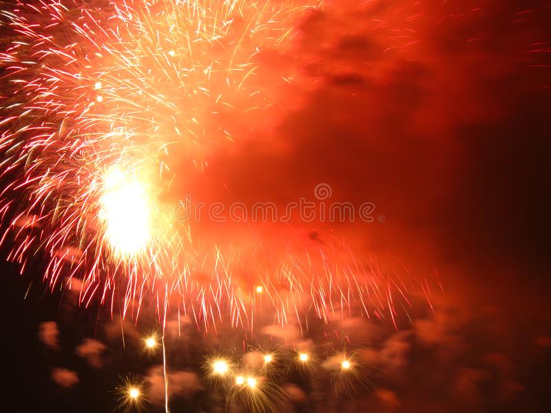 Μεγάλα πυροτεχνήματα στις 4 Ιουλίου φινάλε στοκ φωτογραφίες