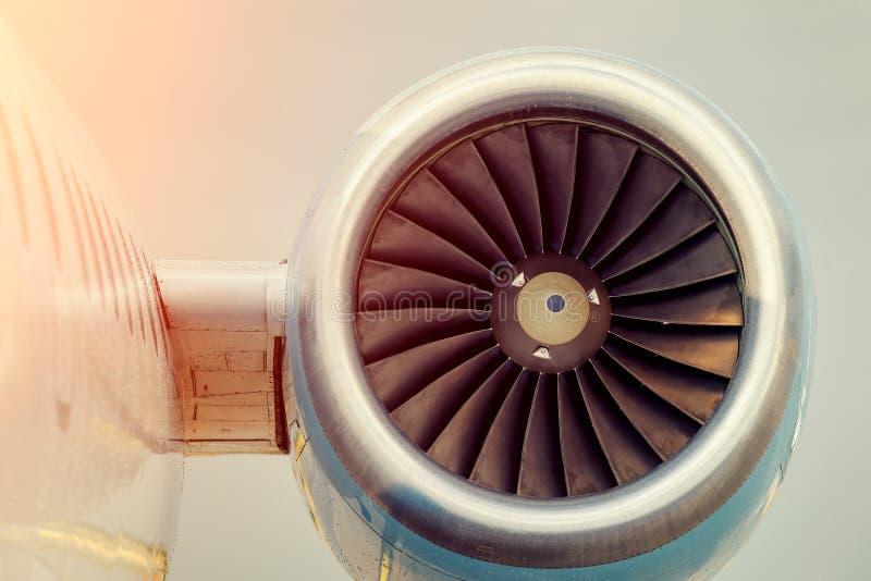 Μεγάλες λεπίδες στροβίλων μηχανών αεροπλάνων στοκ φωτογραφία με δικαίωμα ελεύθερης χρήσης