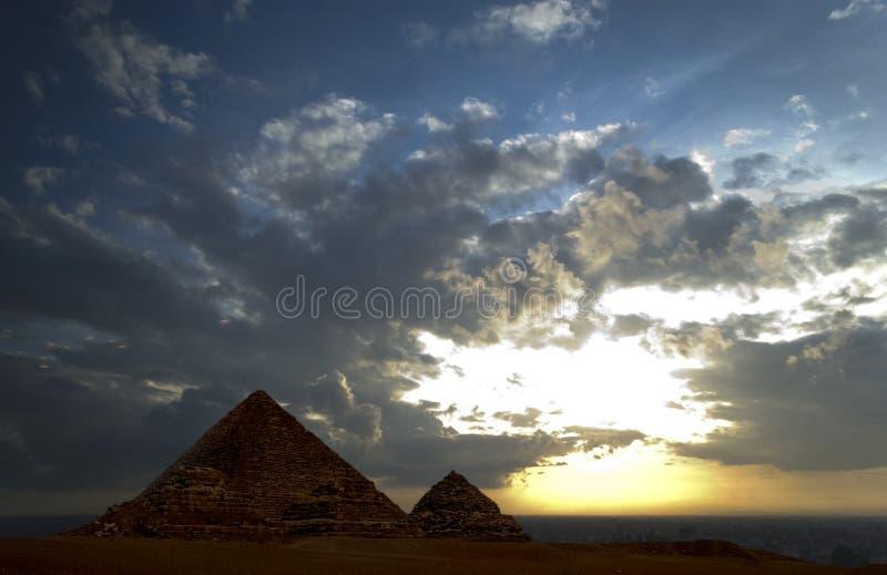 Download μεγάλες πυραμίδες στοκ εικόνες. εικόνα από κάιρο, giza - 1544034