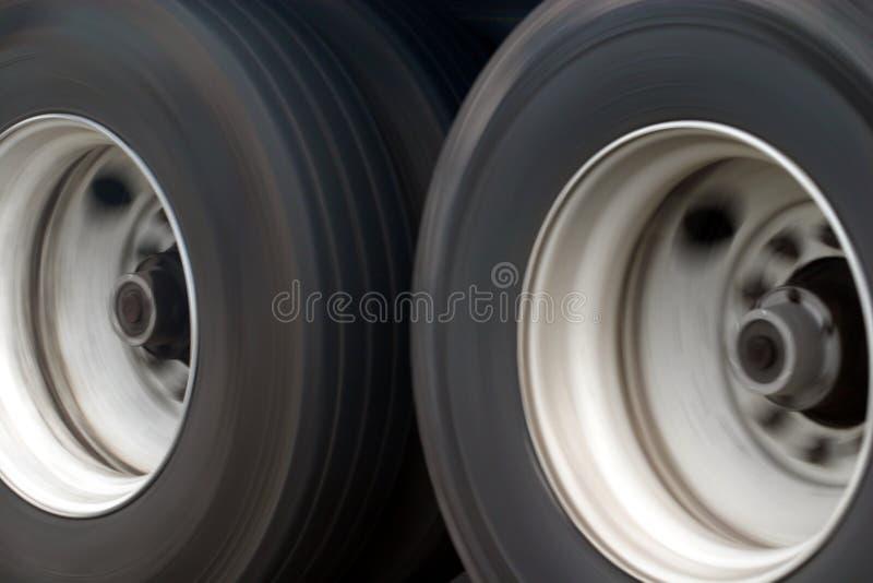 μεγάλες ρόδες truck στοκ εικόνες