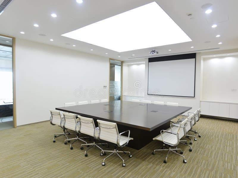 Μεγάλη αίθουσα συνεδριάσεων στοκ εικόνες