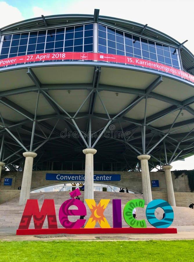 Μεγάλη διαφήμιση από την επίσημη χώρα συνεργατών Μεξικό στοκ εικόνες