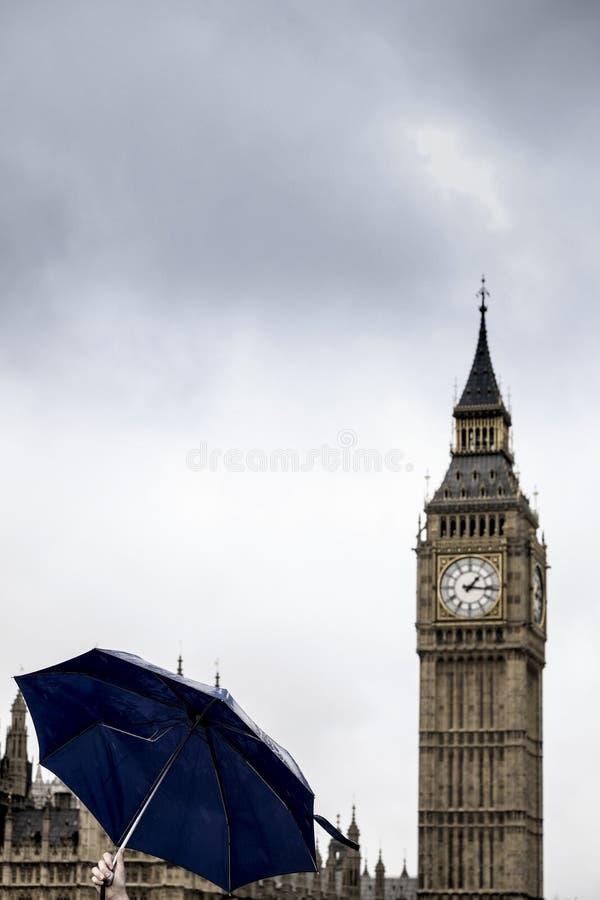 μεγάλη ημέρα Λονδίνο ανασκόπησης ben βροχερό στοκ εικόνες