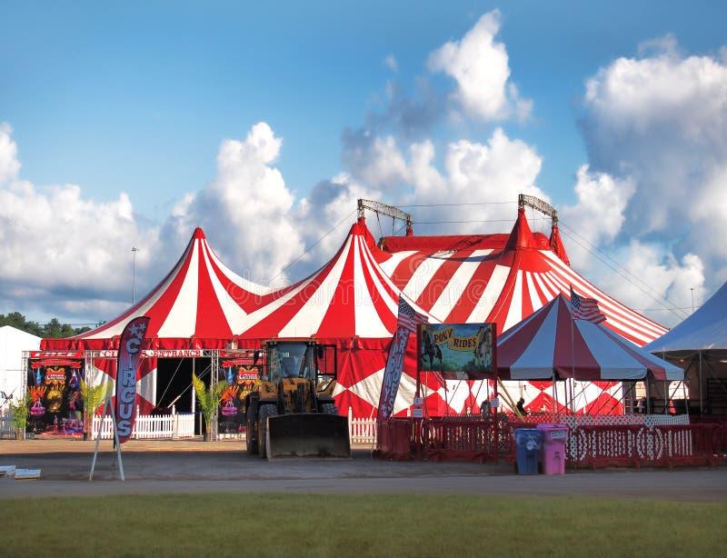 Μεγάλη κορυφή κρατικών δίκαιη τσίρκων στοκ εικόνα με δικαίωμα ελεύθερης χρήσης