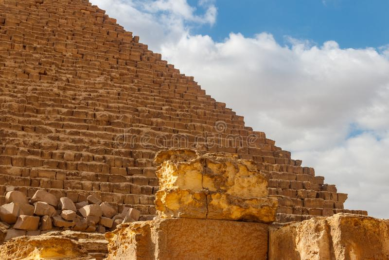 Μεγάλη πυραμίδα Giza γνωστού επίσης ως πυραμίδα Khufu ή πυραμίδα Cheops στοκ εικόνα με δικαίωμα ελεύθερης χρήσης