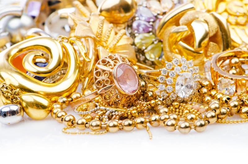 Μεγάλη συλλογή των χρυσών κοσμημάτων στοκ εικόνα