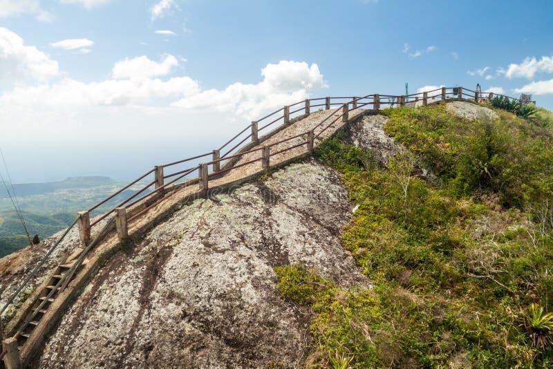 Μεγάλος βράχος Λα Gran Piedra στην οροσειρά σειρά βουνών Maestra κοντά στο Σαντιάγο de Κούβα, $cu στοκ εικόνες με δικαίωμα ελεύθερης χρήσης