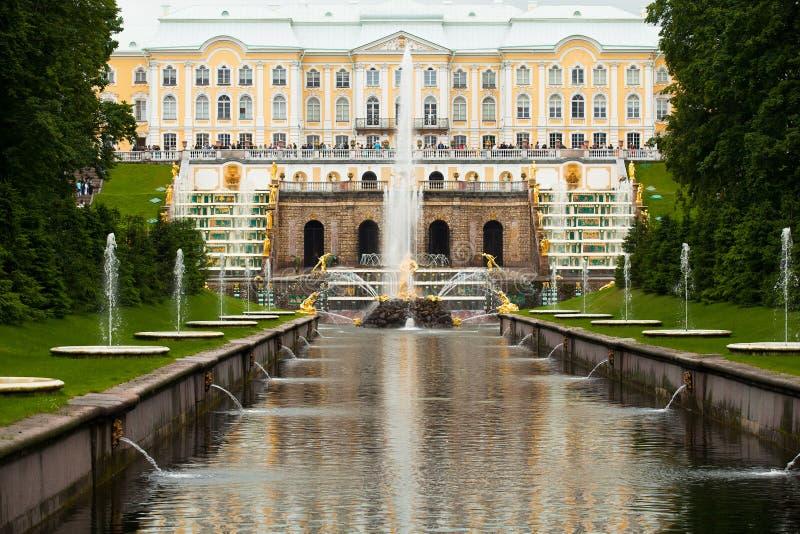 Μεγάλος καταρράκτης Peterhof στοκ εικόνα