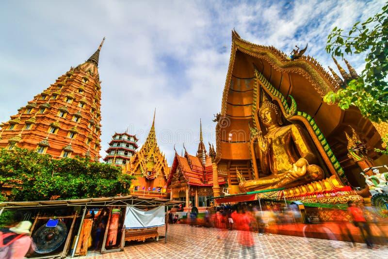 Μεγάλο άγαλμα του Βούδα στο ναό σπηλιών τιγρών, Ταϊλάνδη στοκ εικόνα με δικαίωμα ελεύθερης χρήσης