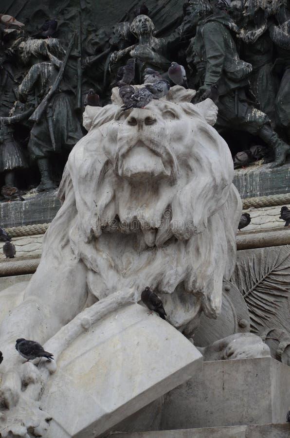 Μεγάλο ιππικό άγαλμα Vittorio Emanuele ΙΙ στην πόλη του Μιλάνου στοκ φωτογραφίες