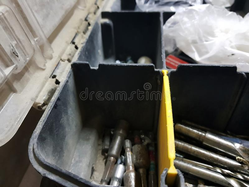 Μεγάλο κιβώτιο για τα επαγγελματικά εργαλεία οικοδόμησης στοκ φωτογραφίες